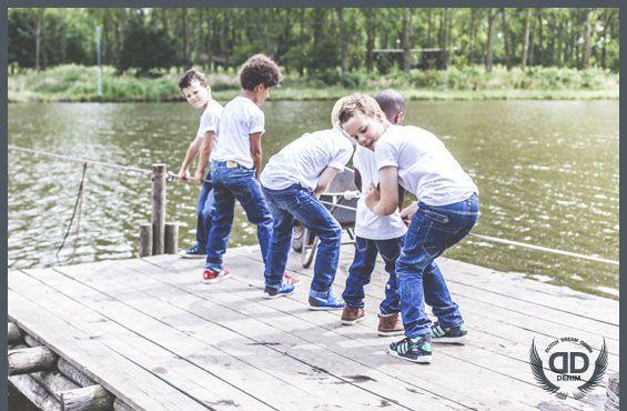 Mooi betaalbare spijkerbroeken van Dutch Dream Denim. De spijkerbroeken hebben een dubbele laag op de knieën.  www.lotenlynn.nl