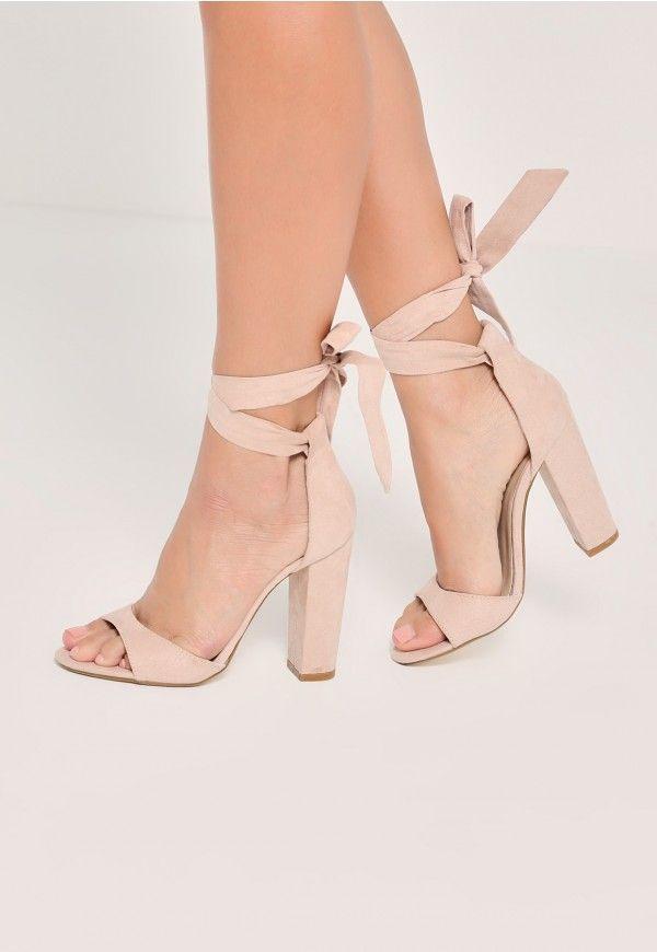 Nude Curved von Vamp Block Heeled Sandals von Missguided