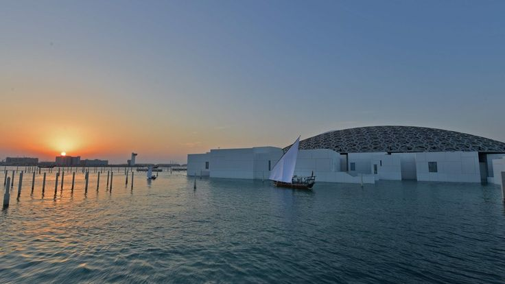 Louvre Abu Dhabi: Emmanuel Macron unveils UAE museum https://tmbw.news/louvre-abu-dhabi-emmanuel-macron-unveils-uae-museum  Media playback is unsupported on your deviceFrench President Emmanuel Macron unveiled a £1bn newly-built museum in Abu Dhabi on Wednesday.The new Louvre, built over the past 10 years, holds 600 artworks permanently and 300 loaned from France.Praised by critics, the building boasts a latticed dome designed to allow the desert sun to filter through.It holds art and items…