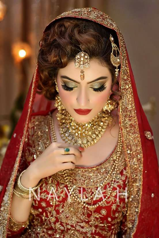 I dont like the hairstyle either but makeup is superb!!#pakistani wedding!!