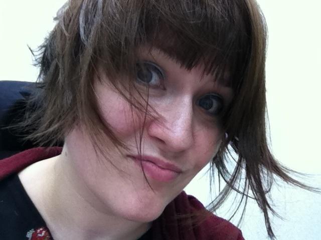 Asymmetrical short haircut. | Hair styles | Pinterest