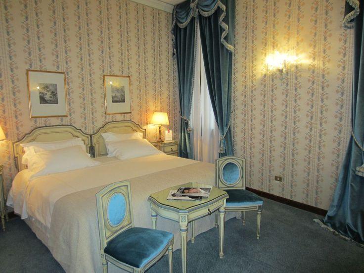 hotel danieli, venedig, laguna view suite - schlafzimmer #venice #italy #spglife #luxurycollection