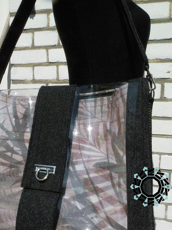 Transparent everyday purse / Przezroczysta torebka na co dzień by Alina Tyro-Niezgoda / Tender December More: http://tenderdecember.eu/6406-2/ To buy http://tenderdecember.eu/shop/produkt/transparent-everyday-purse-przezroczysta-torebka-na-co-dzien-2/