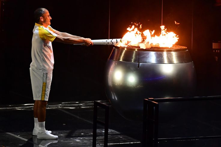 Brazilian marathoner Vanderlei De Lima has lit the cauldron at the Rio Games.