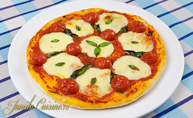 Pizza margherita - reteta video