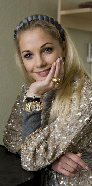 Hun blev landskendt i 2007 som tv-baronessen på TV 2, men i dag er Caroline Fleming ked af, at hun på den måde åbnede dørene til sit liv og Valdemar Slot ...