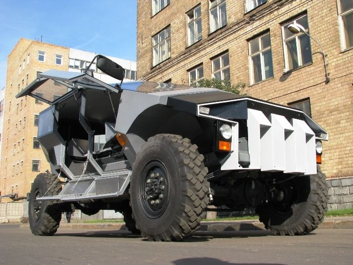 10 Photos of Most Bizarre Army Car by ZIL | Russia's New Hummer Check more at http://www.reckontalk.com/10-photos-of-most-bizarre-army-car-by-zil-russias-new-hummer/