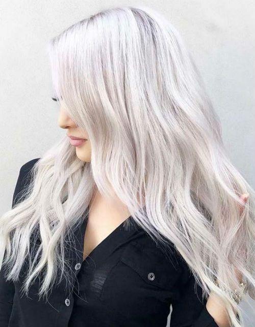 Einfache hypnotisierende platinblonde lange Frisuren für Frauen, zum jetzt zu versuchen
