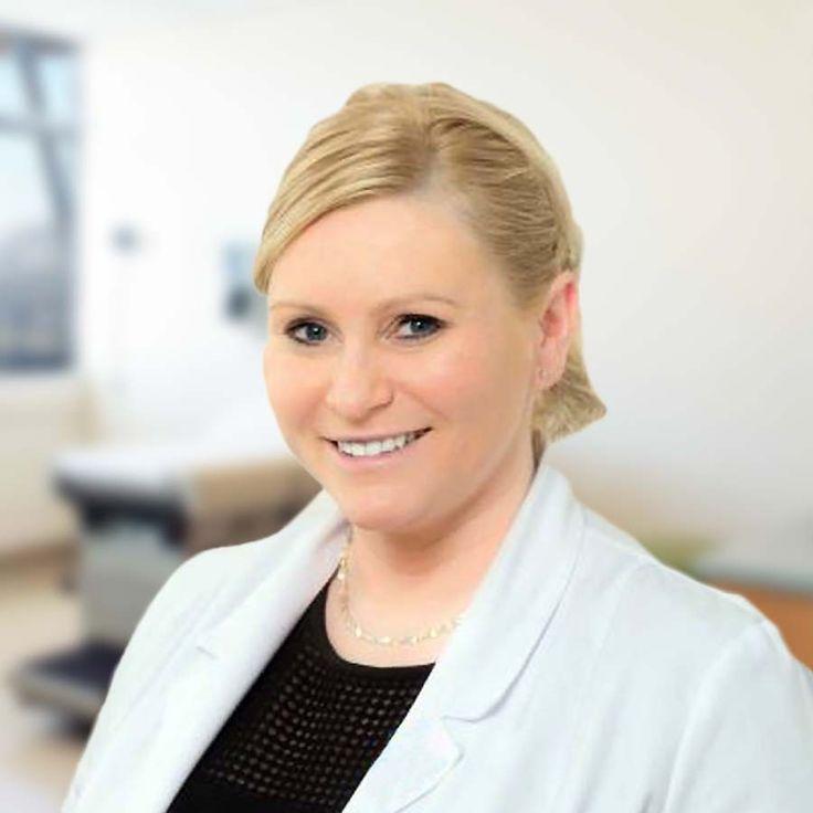 GINEKOLOG WROCŁAW. Dr n. med. Karolina Waleśkiewicz-Ogórek - ginekolog położnik. Porady i zabiegi dotyczące między innymi: profilaktyki ginekologicznej (cytologia, usg narządu rodnego, usg piersi), prowadzenia antykoncepcji (antykoncepcja doustna, dopochwowa, przezskórna, wkładki wewnątrzmaciczne), kriochirurgii (wymrażanie), diagnostyki niepłodności oraz prowadzenia ciąży. Centrum Medyczne PRZYJAŹNI - Przychodnia we Wrocławiu - Zadzwoń: tel. 71 300 12 72, 71 300 12 73