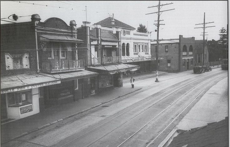 Victoria Road, Gladesville circa 1938. The new Bayview Hotel has been constructed at the new set back to allow for the impending widening of Victoria Road.