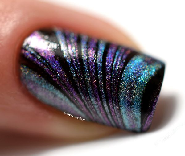 Nail art watermarble holo color club