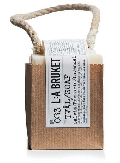 L:A BRUKET / Mýdlo na provázku šalvěj, rozmarýn a levandule 250 gr
