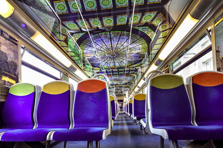 Instead of encouraging people to visit their world-famous landmarks, France's national state-owned rail service SNCF has come up with a fantastic idea. They've decided to bring these landmarks to you, and you can enjoy them at your leisure during your morning commute to work.