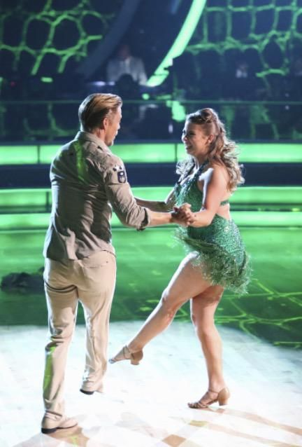 Dancing With the Stars  -  Derek Hough & Bindi Irwin  -  Season 21  -  Week-1  -  fall 2015