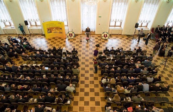 31 октября 2017 года в Москве в Культурно-выставочном комплексе «Дом Пашкова» Российской государственной библиотеки состоялось главное мероприятие, посвященное празднованию 500-летнего юбилея Реформации. Поздравить российских протестантов пришли представители государственных органов власти, дипломат