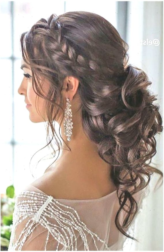 Curly Hairstyle Low Ponytail Curly Low Side Ponytail Fmag Curly Hairstyle Low P Lockigefrisuren Curly Side Ponytail Hairstyles Long Hair Styles Hair Styles