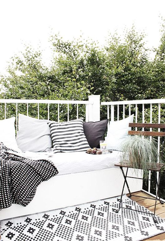 black and white patio decor and furnishings / sfgirlbybay