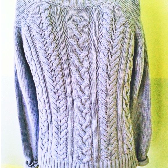 Blue Old Navy Cable knit Sweater *Price is negotiable  *Fast Response Time:: *SAME DAY Shipping  *ALL items CLEAN/SMOKE FREE Old Navy Sweaters