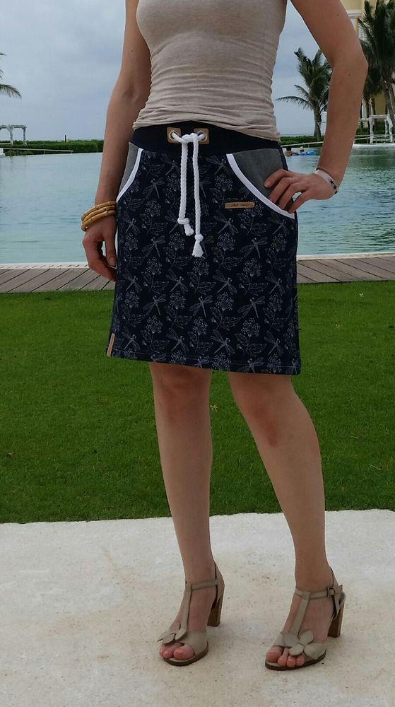 Kostenloses Schnittmuster Lady Sweat Skirt von Lin-Kim als e-book für Damen in Kategorie Rock