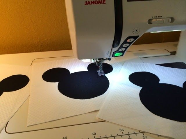 Just ran across the most amazing quilt idea. I am a member of a Facebook site called The Main Street Mouse.  It's all Disney addicts discuss...