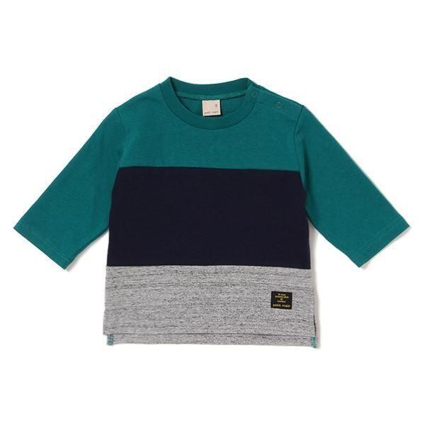 大胆なカラーブロックデザインに個性が光るTシャツです。クルーネックのベーシックなフォルムで、存在感がありつつもスタイリングしやすく仕上げたアイテム♪ 裾へロゴ入りタグをちょこんとあしらい、ブランドアピールも抜かりなく。※80、90サイズのみ肩開き