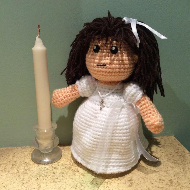 Muñeca de comunión amigurumi