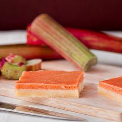 Ciasto kruche z kremem rabarbarowym (rabarbarowym curdem).