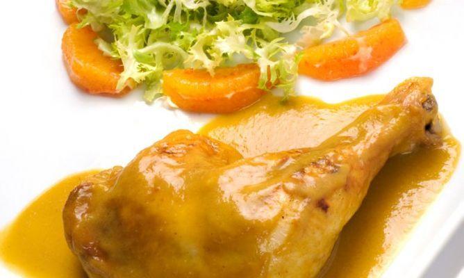 MUSLOS DE POLLO A LA NARANJA. CHFF. ESPAÑOL KARLOS ARGUIÑANO. http://www.hogarutil.com/cocina/recetas/carnes/201102/muslos-pollo-naranja-3352.html