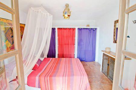 Se lige det her fede opslag på Airbnb: Moorish Style Cottage. Heated Pool. - Villaer til leje i Alcaucín