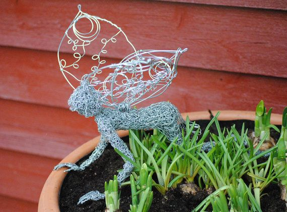 Gorgeous fairy sculpture, ideal for bringing a little magic into your garden or home.