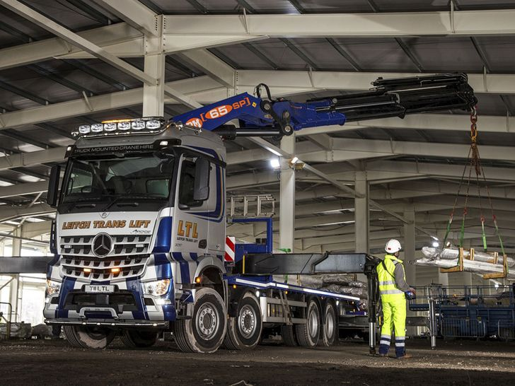Irish-based Leitch Trans Lift has just added a new knuckle boom it its fleet. The PM 65 SP is fitted on a 8x4 Mercedes Benz chassis.  #knuckleboomcranes #pmcranes #cranepedia