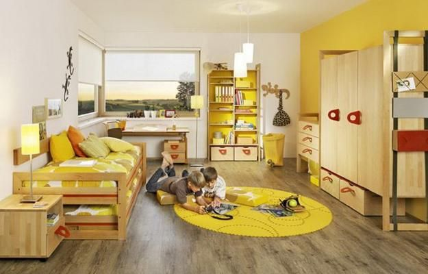 yellow color schemes for room decorating: White and yellow walls