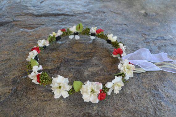 He encontrado este interesante anuncio de Etsy en https://www.etsy.com/es/listing/271632132/corona-flores-accesorio-boda-novia-tiara