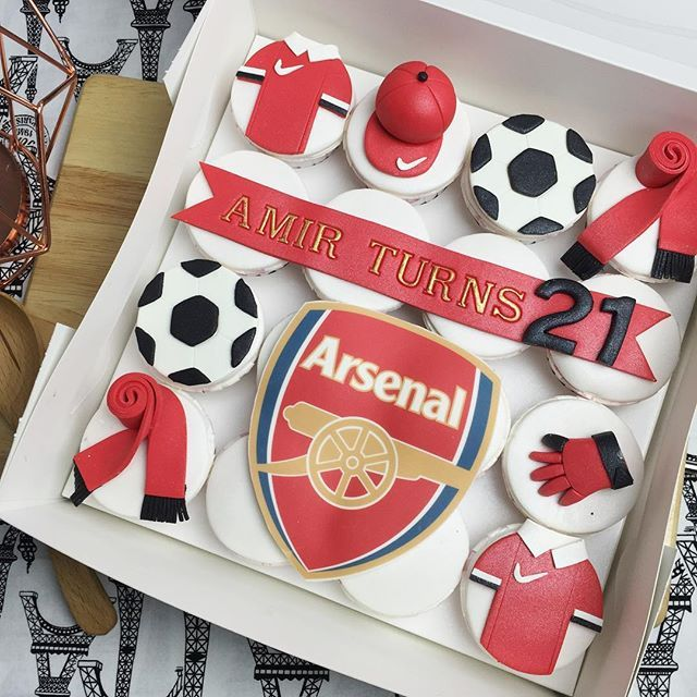 Arsenal themed cupcakes for birthday! #thecupcakecrazy #cakes #cupcakes #dessert #delicious #design #hantaran #wedding #birthday #kualalumpur