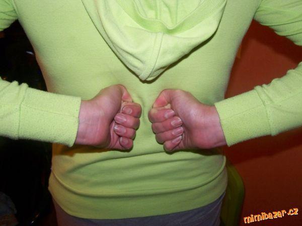 Tyhle cviky mi pomohly při opakovaných bolestech zad a migréně hlavně!Bohužel lékaři nepomohli tak s...