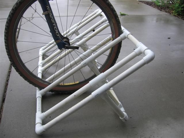DIY bike rack for outside. Would make the garage bike area nicer!