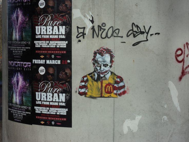 Eval horror versie van Ronald McDonald (locatie nabij McDonald's Hoendiep).