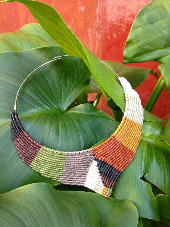 Design Macrame Necklace in V shape with por RitaPratesCaetano
