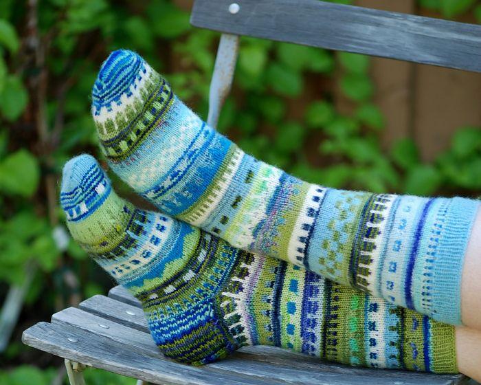 Ravelry: Jänikset maailmankartalle pattern by Ilona Korhonen socks knitting stranded colorwork
