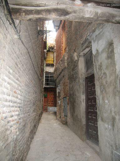 Toledo: calle del barrio arabe