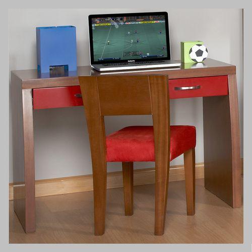 ESCRITORIO ROJO EM-02-1 Moderno escritorio en madera color clásico con contraste de acabado rojo en los dos cajones. El diseño se presta para ser ubicado en una habitacion de niño o niña ya que usted puede escoger el color de acabado que más le guste a su hijo. La silla no está incluida en el precio pero la puede ver aqui.