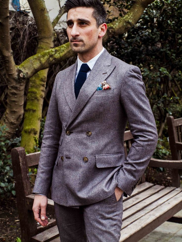 Elegant double breasted Dormeuil cashmere and wool suit. Made by Delvero
