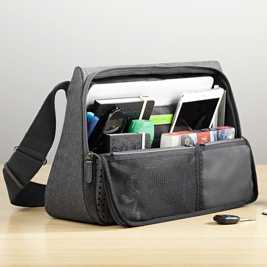 If you had to get a laptop bag, this approach might be kinda nice - Functional, i like it! :) The Designer Behind Evernote's Svelte Laptop Bag