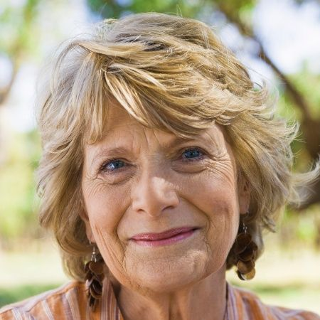 Elegant Short Hairstyles For Women Over 60 That Take Off
