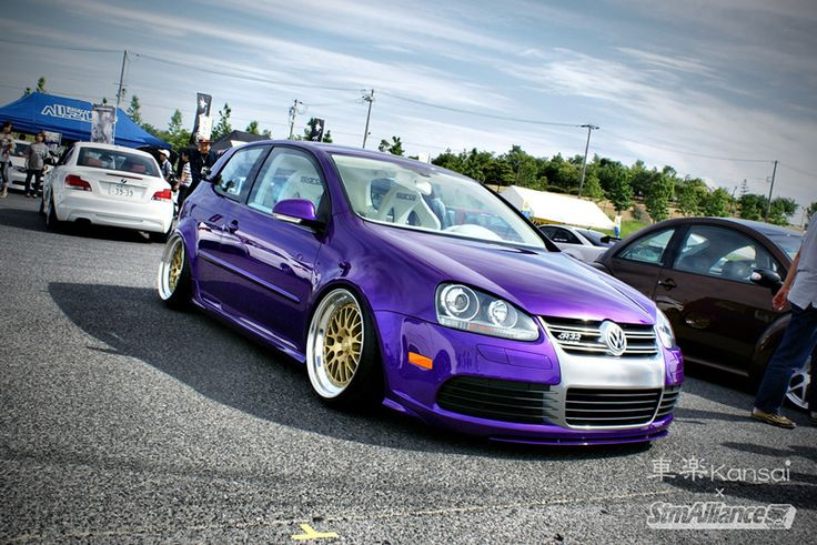 Volkswagon Golf R32 in Purple with Gold CCW LM20s
