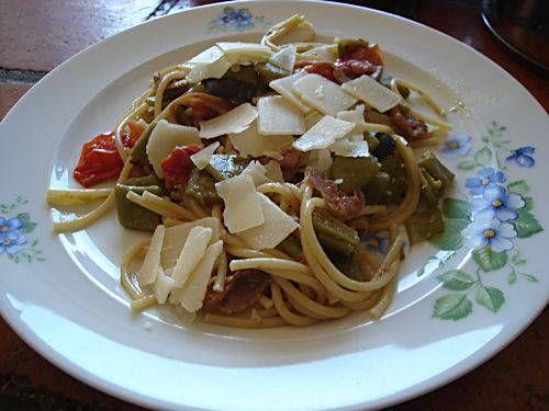 Spaghetti Met Snijbonen En Rode Pesto !!!! recept | Smulweb.nl