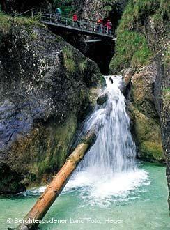 Naturerlebnis mit Wasser: Die Almbachklamm!
