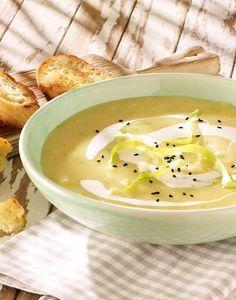 Cremige Suppe mit Kartoffeln und Spitzkohl