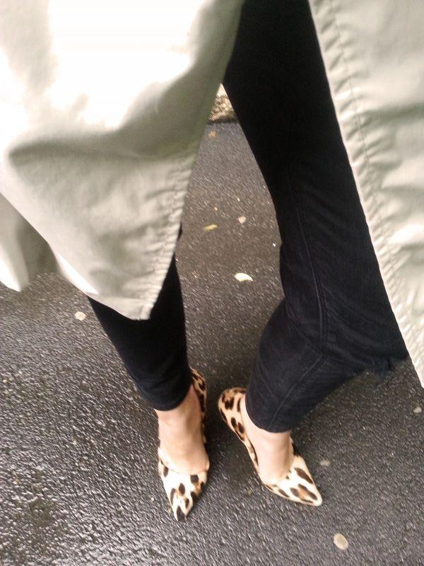 http://leti.ro/en/2014/06/27/altfel-de-pantofi-de-ploaie/