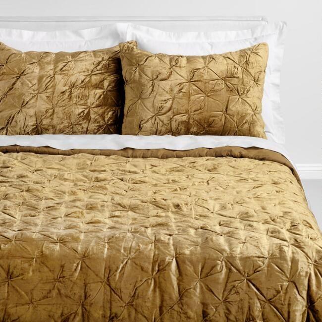 Chartreuse Green Velvet Luster Bedding Set V1 Bed Linens Luxury Bed Linen Design Bed Linen Australia